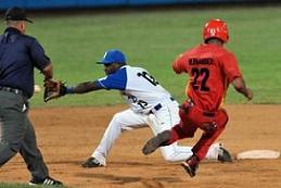 La pelota cubana y el tema de los refuerzos
